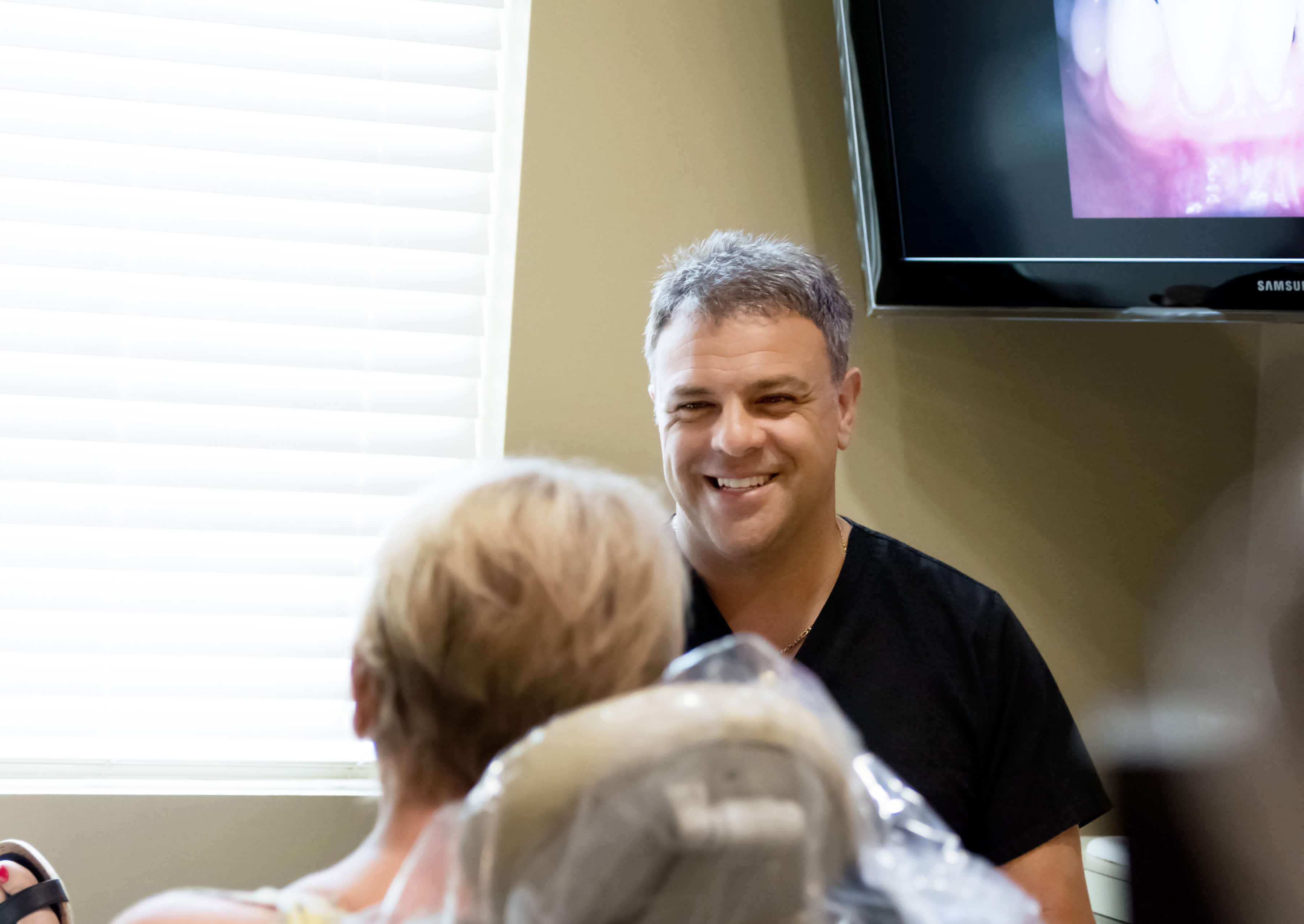 Columbus Periodontist Seeing Patient